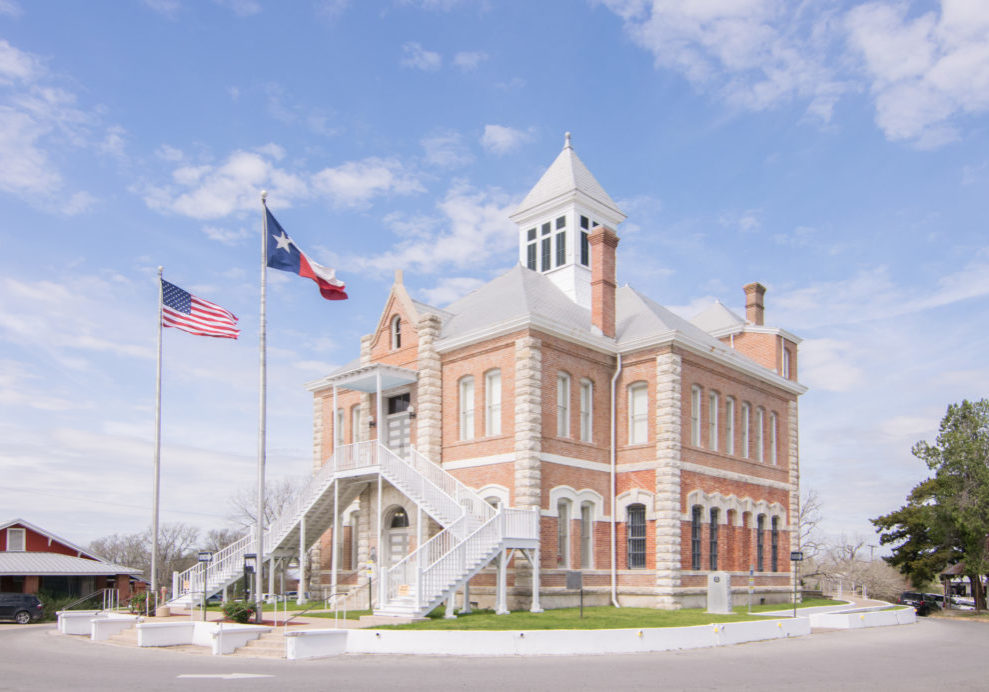 "Photo by (c) <a href=""https://commons.wikimedia.org/wiki/File:Grimes_County_Courthouse,_Anderson,_Texas_1803091126_(40711037292).jpg"" title=""via Wikimedia Commons"">Patrick Feller from Humble, Texas, USA</a> / <a href=""https://creativecommons.org/licenses/by/2.0"">CC BY</a>"